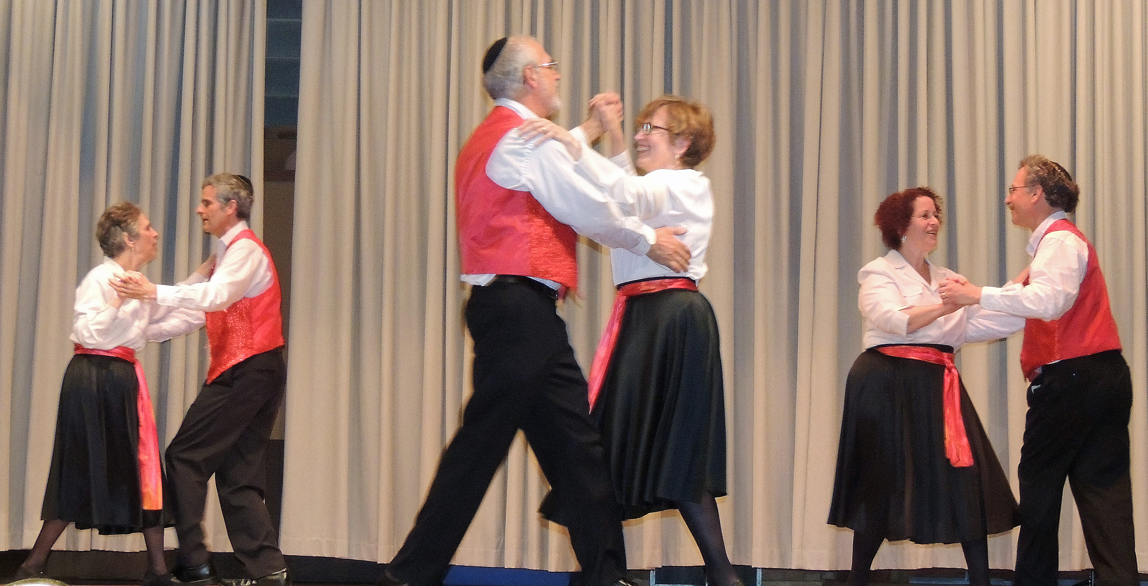 cafe tamar 2015 - adult dancers 2
