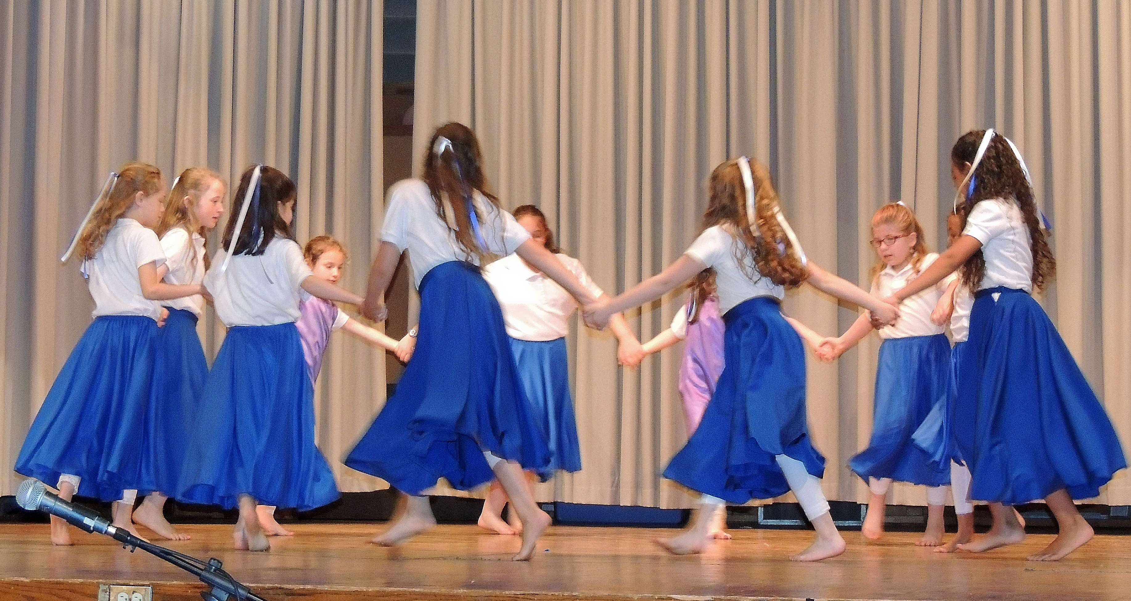 cafe tamar 2015 - girls dance 2